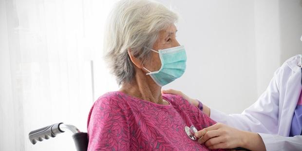 #FALSO: Coronavírus não é letal somente em pessoas com imunidade baixa e/ou com problemas de saúde