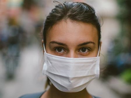 Fake: Máscaras podem baixar imunidade e congestionar pulmões