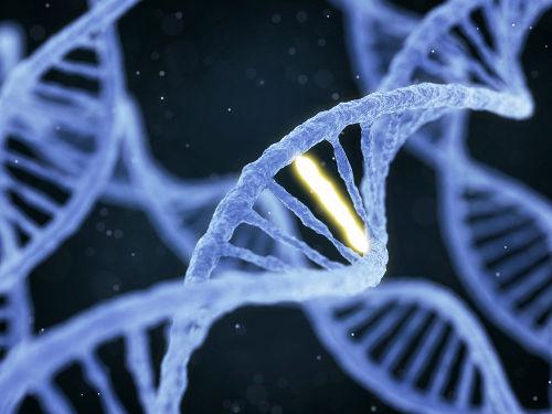 É FAKE: Médico diz que vacina altera material genético de pacientes