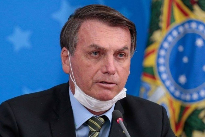 Em vídeo, Bolsonaro questiona eficácia de vacinas e insiste em tratamento precoce