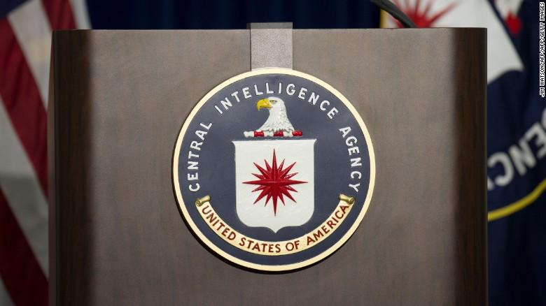 Imunização contra a COVID-19 tem relação com falsa vacinação para espionar Bin Laden?